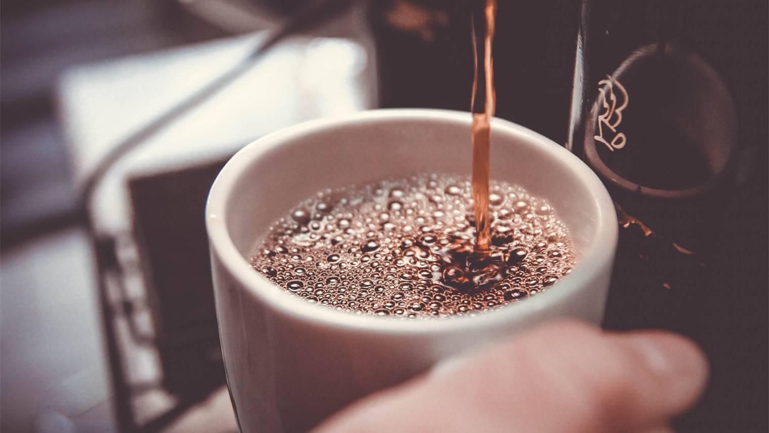 做咖啡不如卖麻辣烫?瑞幸们的下沉是个伪命题