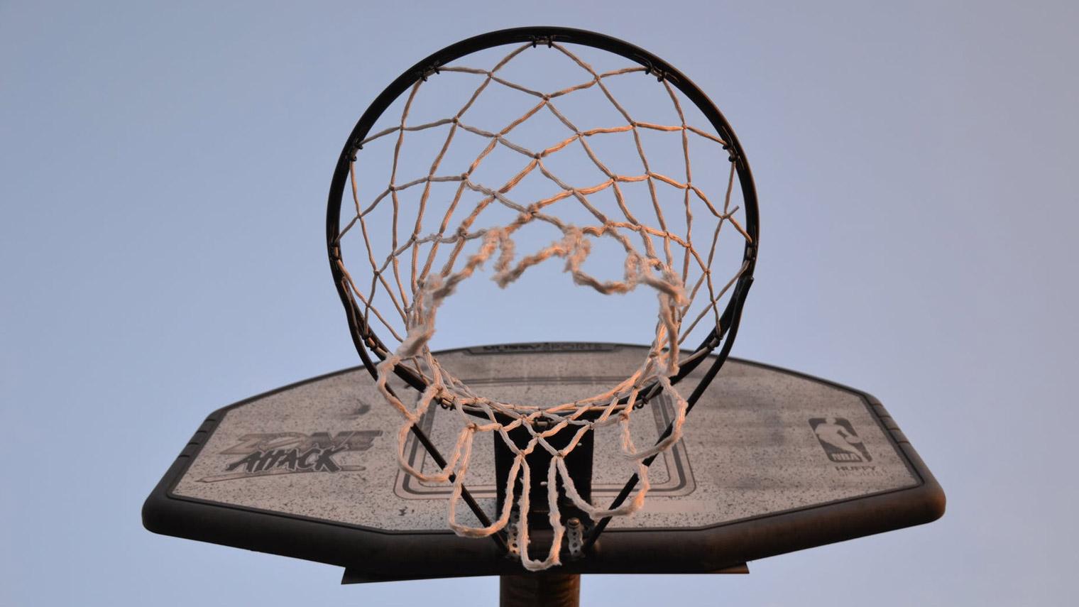 """发出""""史上最贵""""推特之后,NBA损失有多大?"""