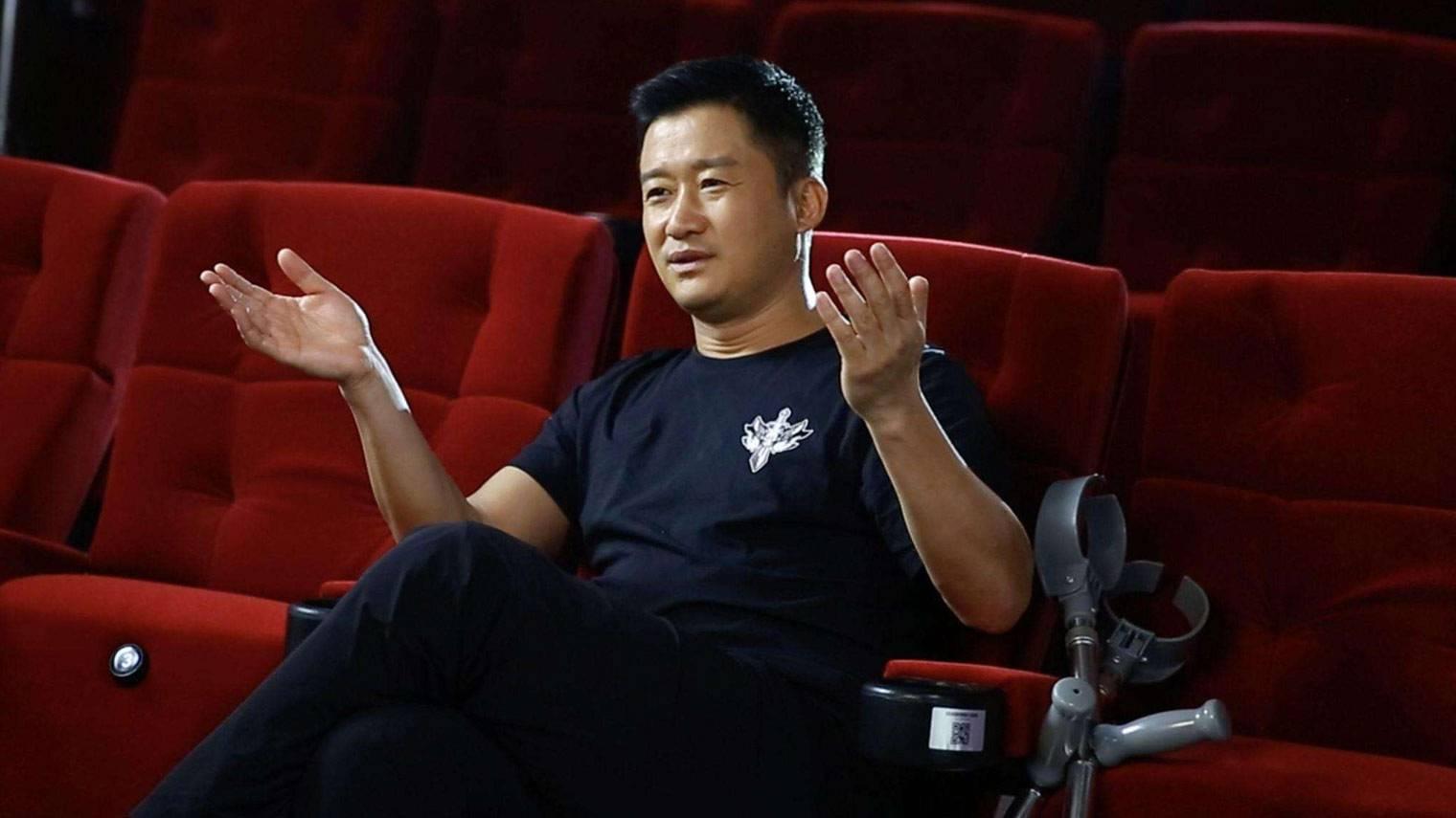 """《流浪地球》破41亿、吴京成""""百亿先生"""",可春节档为什么依旧不行?"""