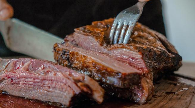 """巨头火拼的植物肉,能否用""""零食""""撬开消费者嘴巴?"""