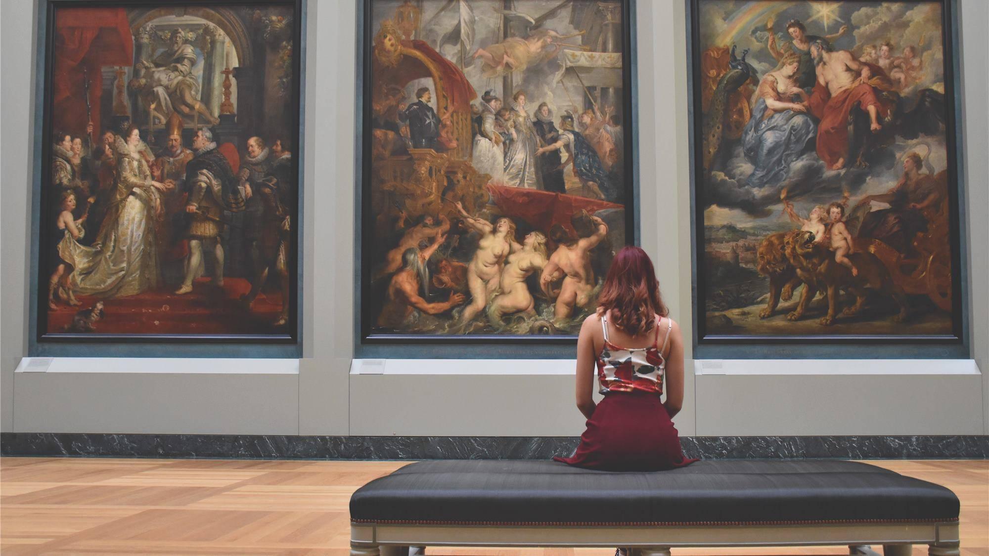 八大博物馆直播间拼家底,千万游客意味着什么