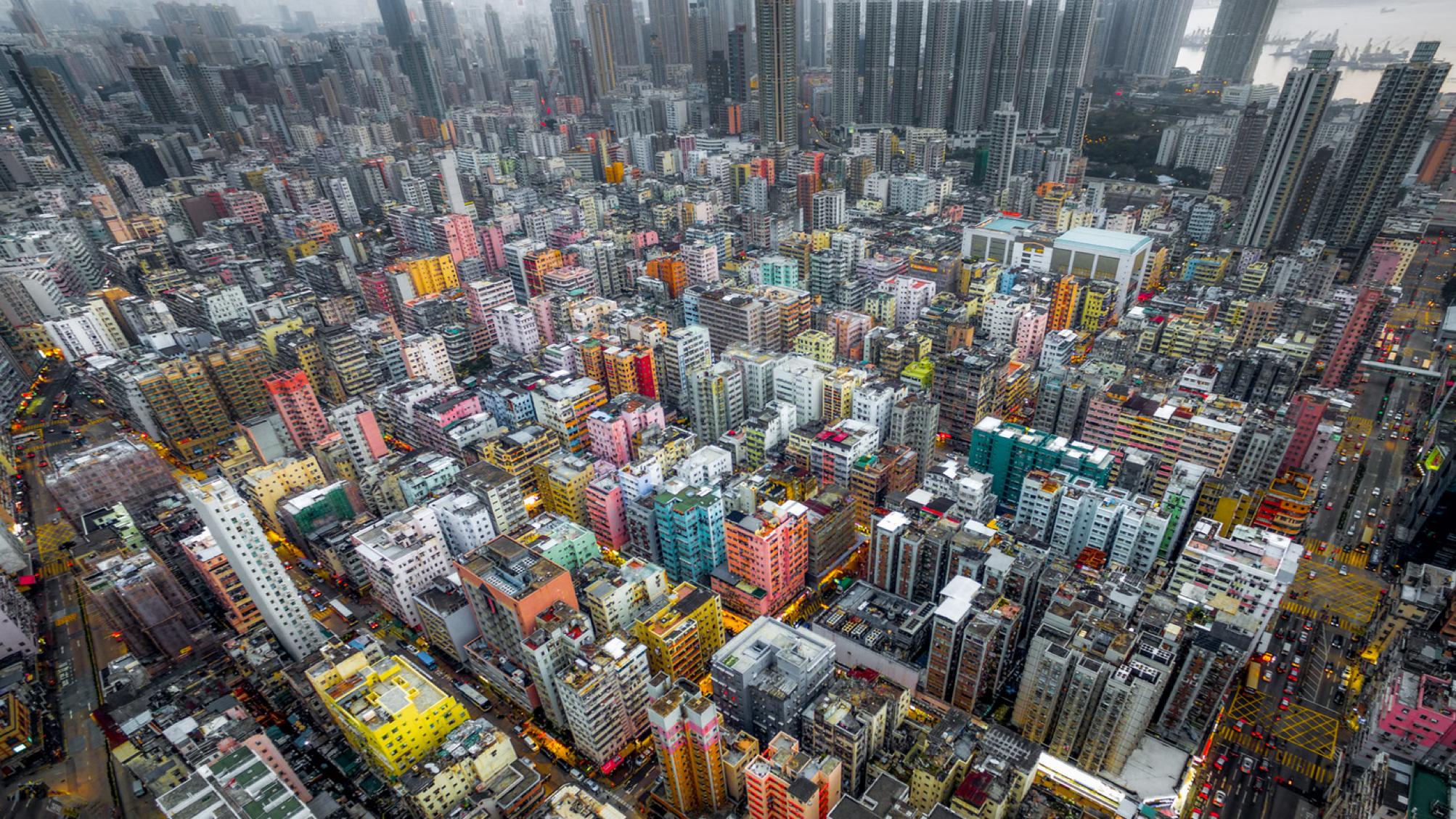 城市的高密度狂欢,差不多得了